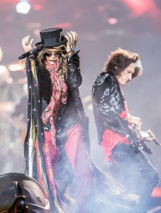 14021-Steven-Tyler-Prudential-Center-Aerosmith