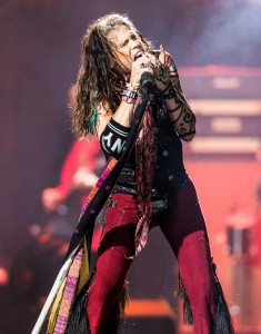 14022-Steven-Tyler-Prudential-Center-Aerosmith