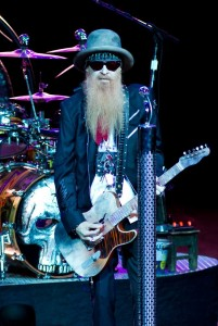 zz-top-performing-live-06