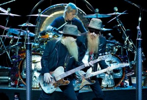 zz-top-performing-live-07