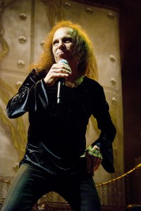 640px-Ronnie-James-Dio_Heaven-N-Hell_2009-06-11_Chicago_Photoby_Adam-Bielawski