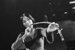 Buffy_Sainte-Marie_1_Repetities_1968-03-06_Grand_Gala_du_Disque_Populaire-1024x678