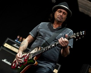 phil_campbell_live_1