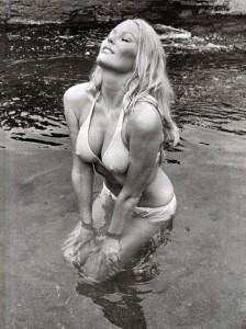 veronica bikini 2