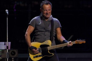 7784098184_bruce-springsteen-a-joue-l-integralite-de-the-river-le-13-juillet-a-paris