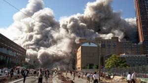 attentats-du-11-septembre-des-new-yorkais-tentent-de-se-mettre-10528336fnawp_1713
